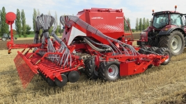 Univerzální-secí-stroj-Kverneland-u-drill-5