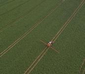 Nesený-postřikovač-Kverneland-iXter-A-5